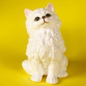 Vintage Kitsch White Cat Cute Ceramic Figurine